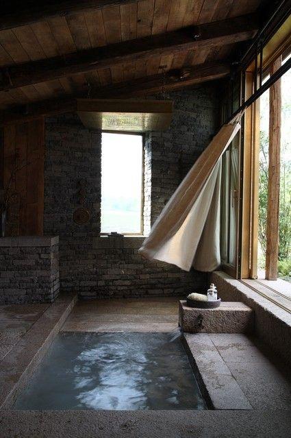 Idee Bagno in Pietra Naturale e Ricostruita