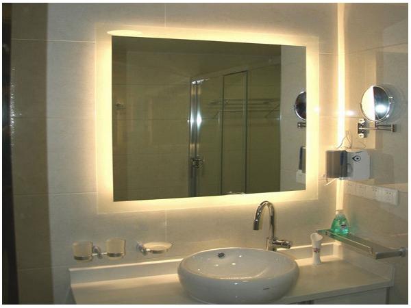 Luce specchio bagno idee per illuminare con lampade e faretti
